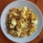 Tortilla de patatas con huevo de corral