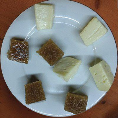 queso gallego con membrillo